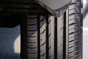Banner Service - Reifenverkauf - Bild Autoreifen