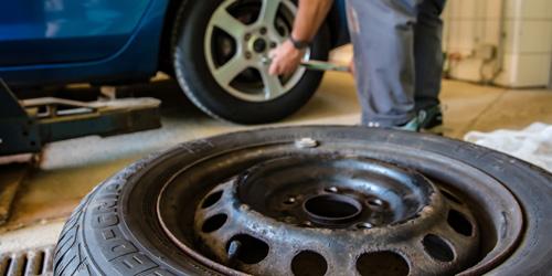 Service Wintercheck - Bild Reifenwechsel